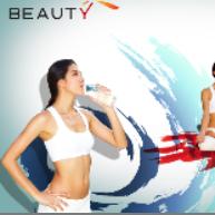 喝水的瑜伽女人PSD素材