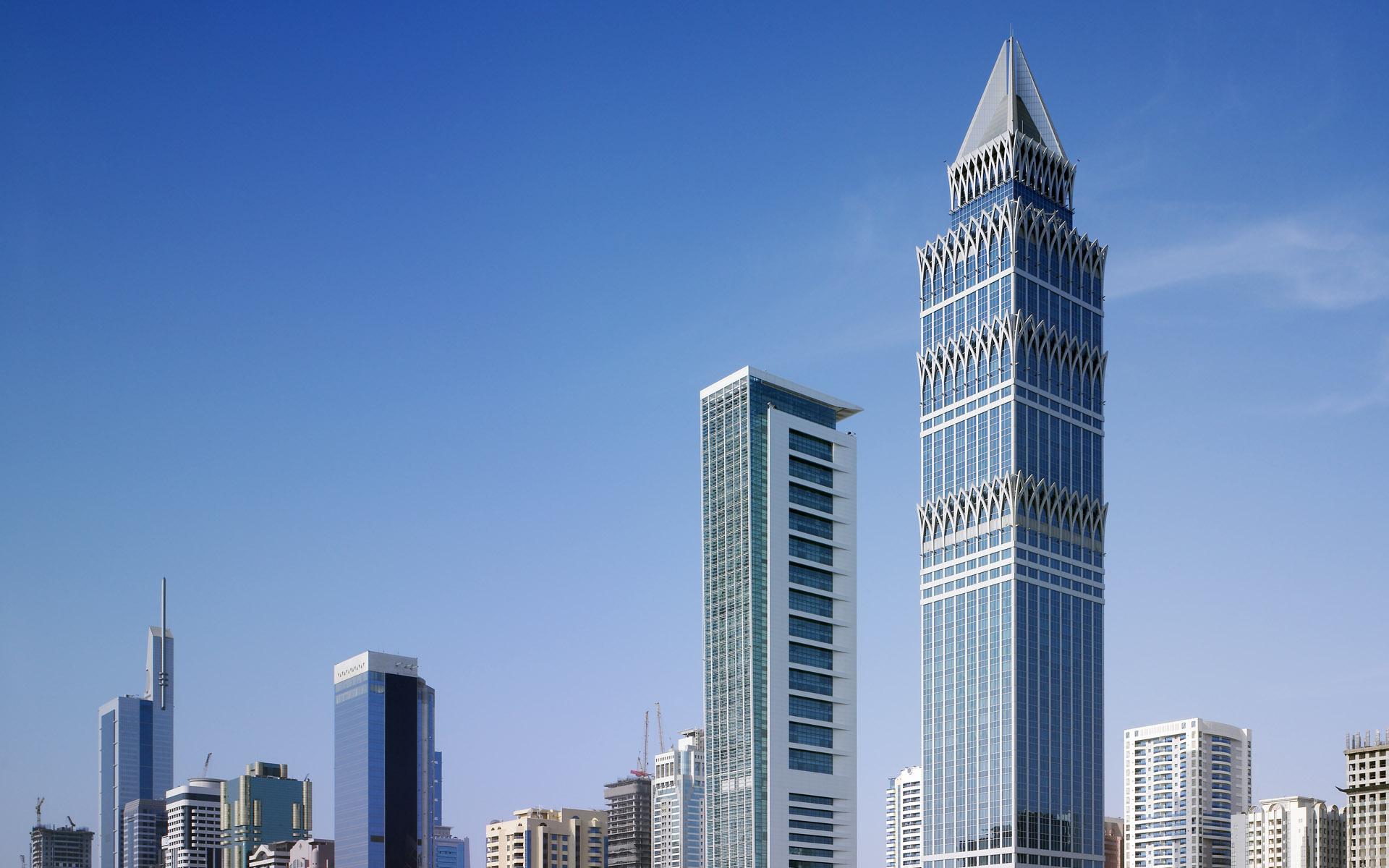 蓝色商务大厦大楼写字楼PPT背景图片截图1