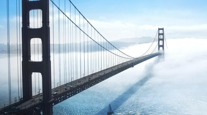 蓝色金门大桥PPT背景图下载截图0