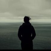 孤独荒凉感主题ppt模板下载